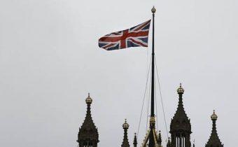 Jazýčkom na váhach môže byť v Británii strana, ktorá je proti homosexuálnym manželstvám, píše server