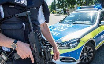 Neuznávajú nemecký štát. Polícia uskutočnila razie proti Ríšskym občanom