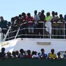 Rakúsko sa obáva novej vlny utečencov, na hranice s Talianskom chce poslať obrnené vozy