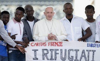 Papežovi totálně přeskočilo, vyzval ke zlepšení vítání migrantů! Po týdnu islámského teroru v Barceloně a dalších městech je to plivnutí do tváře křesťanům v celé Evropě! Autogenocida Evropy pokračuje!
