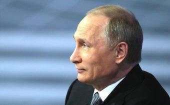 Putin verí, že Trump nebude rukojemníkom temných síl