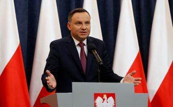 Poľský prezident ignoroval varovania eurokratov a podpísal kontroverný reformný zákon