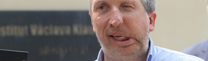 Klaus ml. chce zakázat Facebooku v Česku blokování příspěvků