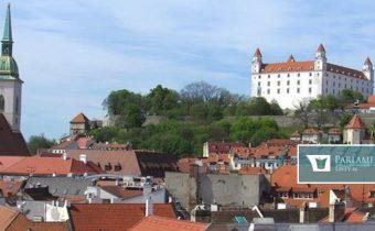 Bratislava si zaslúži špeciálny status, uviedol Pellegrini
