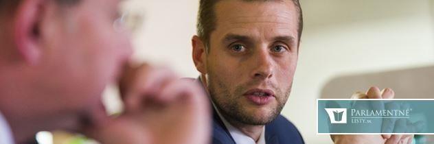 Prím v zahraničnej politike hrá Fico. Slovensko ide nesprávnou cestou, kritizoval Klus
