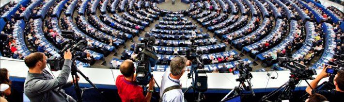 Európsky parlament chce zintenzívniť boj proti propagande a dezinformáciám z Ruska