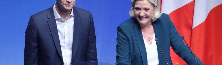 Marine Le Pen zradila francouzskou alternativu! Její strana zrušila dva základní pilíře volebního programu, už nechce Frexit a vystupování z EU a nechce ani odchod Francie z Eurozóny a návrat k franku! Francouzi si prý už na Euro zvykli a Evropská unie má výhody, pro které se vyplatí v EU zůstat! V reakci na to ze strany odešla pravá ruka Le Penové, která tvořila hlavní politický program Národního Sdružení!