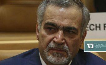 Brat prezidenta Rúháního nastúpil do väzenia. Odsúdili ho za korupciu