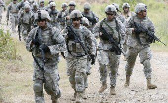 Irácký parlament: Americké síly mají rok na to, aby vypadly z Iráku