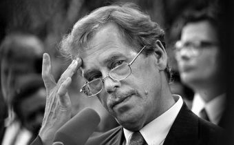 Zemane, proč se nechováte jako Václav Havel? Jste sviňáci Češi a blbý, řekla…