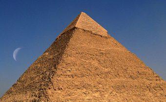 Studie: Velká pyramida v Gíze může soustředit elektromagnetickou energii