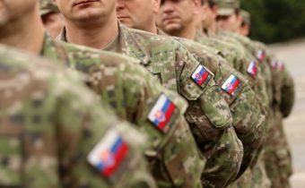 Na testovanie si vystačí armáda aj bez zdravotníkov. Zúfalé statusy premiéra Matoviča