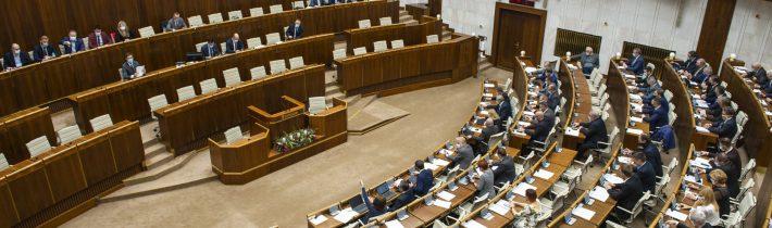 Za členov Rady pre vysielanie a retransmisiu zvolili Cocherovú, Izraela, Jakubčovú a Začkovú