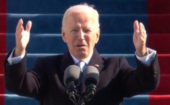 VIDEO: Plný překlad inauguračního projevu 1. amerického protektora Joea Bidena zachycuje prvky z prvního rozhlasového projevu Adolfa Hitlera, když vyzýval ke sjednocení německého národa proti vnitřnímu nepříteli! Joe Biden vyzval v projevu k jednotě, ale jedním dechem prohlásil, že se musí zlikvidovat vnitřní nepřítel v podobě extrémistů, bílých nadřazenců a rasistů! Biden tím nepřímo vyzval k politickému a ideovému čištění v celých USA! Protektor rezolutně varoval Texas, že nedovolí rozpad unie! Na závěr projevu Joe Biden vypustil americký lid a požehnal jen americkým vojákům!