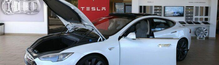 Elektromobily s sebou nesou řadu úskalí. Baterka je po osmi letech nepoužitelná a co dál?