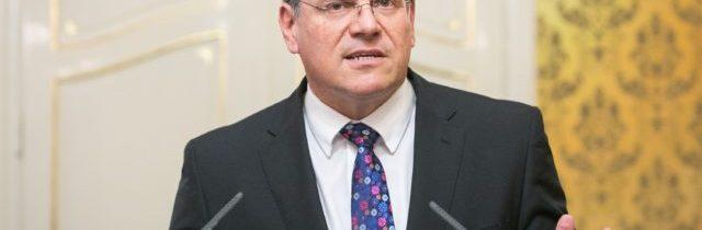 EÚ ponúka zlepšenia pre severoírsky protokol, Šefčovič bude v piatok rokovať s Frostom